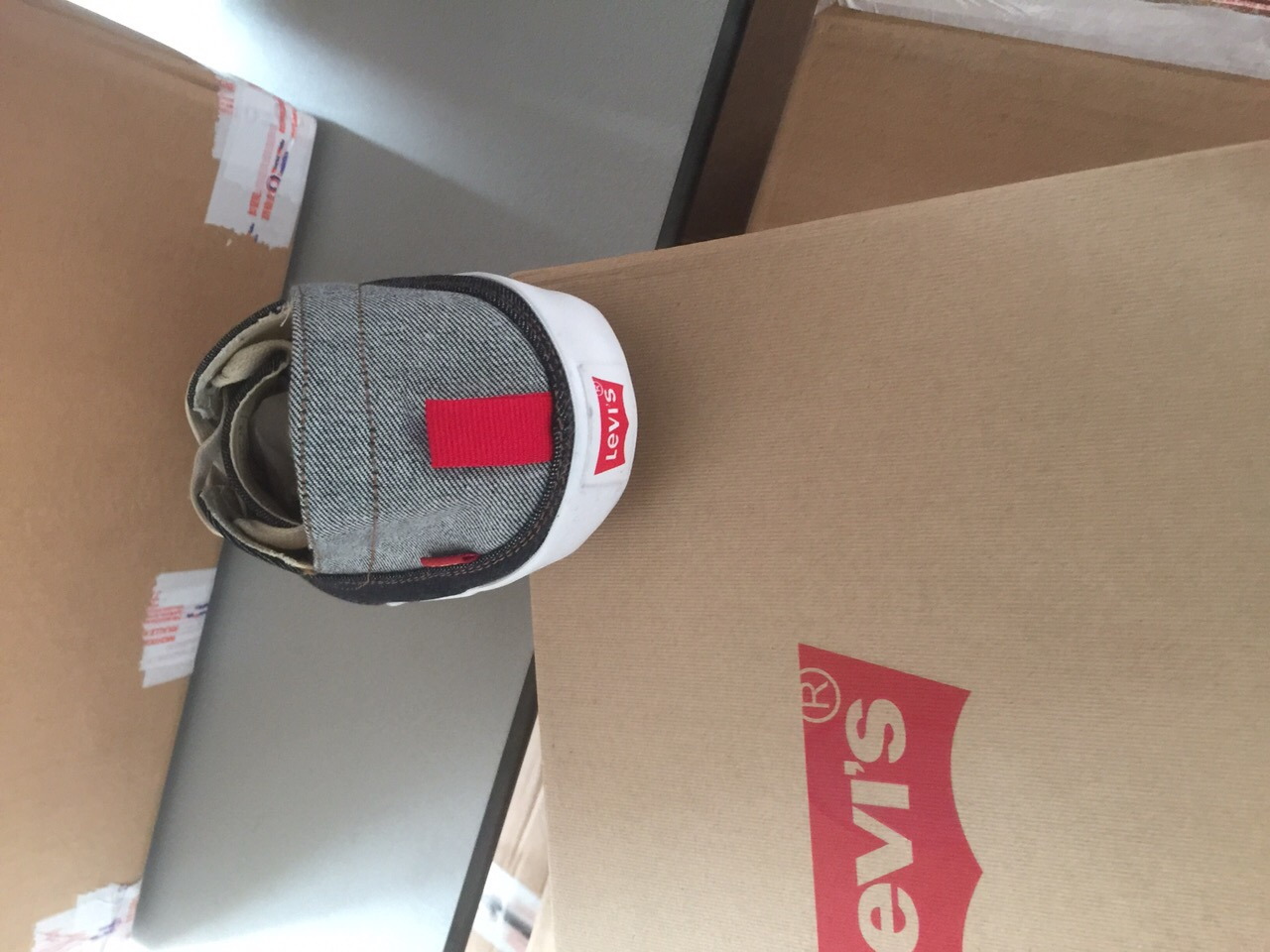 Levi's Shoes In Wholesale